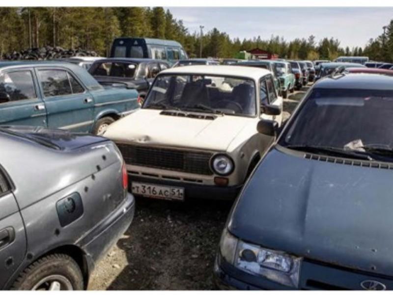 Финская таможня продала 128 старых автомобилей в основном советского  производства, брошенных беженцами на границе с Мурманской областью, и  выручила около 23 ... f22961b6558